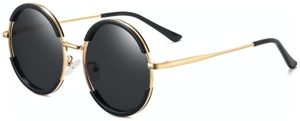 På billedet ser du et stemningsbillede (#8) fra Runde solbriller til mænd, Sin fra brandet Solbrillerne.dk i en størrelse H: 58 cm. B: 18 cm. L: 138 cm. i farven Sort/Guld